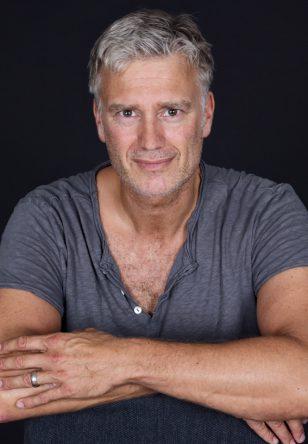 Carsten D.